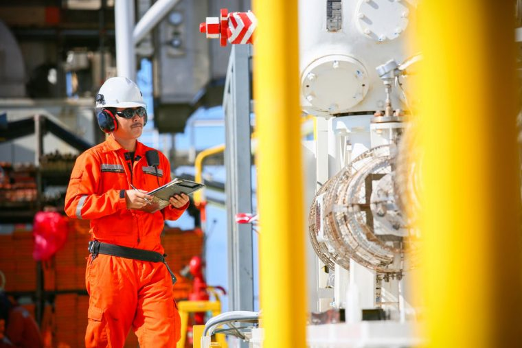 oil rig worker safety check